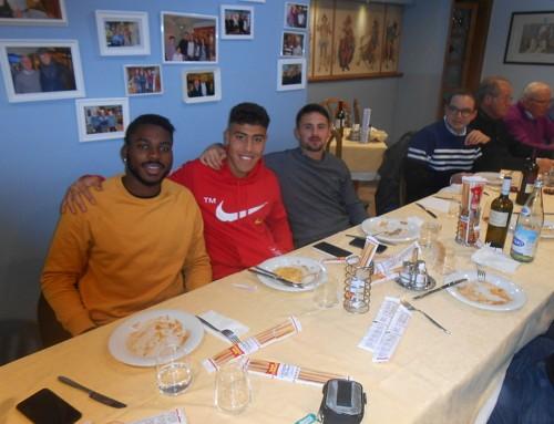 """Quarto raduno del Calcio Club """"Radio Scarpa"""" con tre giocatori biancazzurri"""